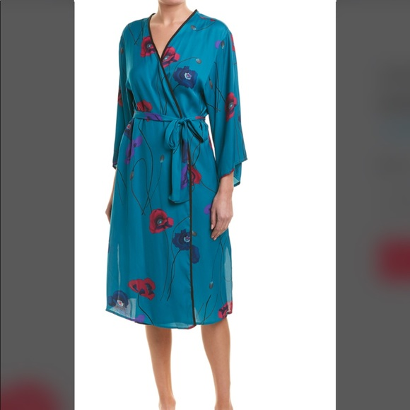 Josie Natori Freestyle Robe. New. Medium 90828a60f